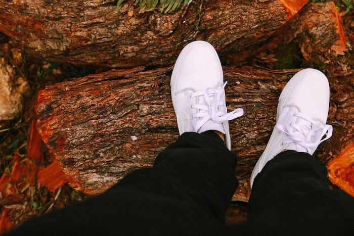 white-sneakers-shoes