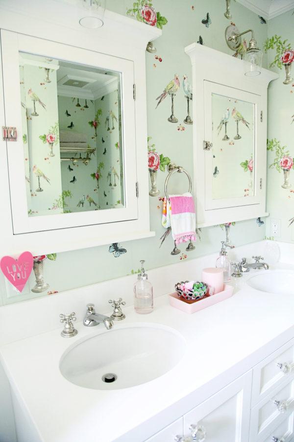 birds bathroom wallpaper