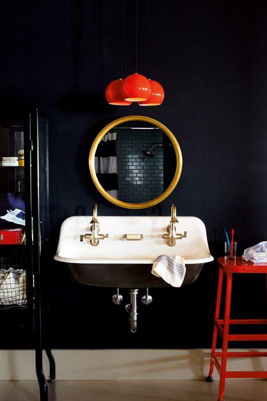 bold-colour-bathroom
