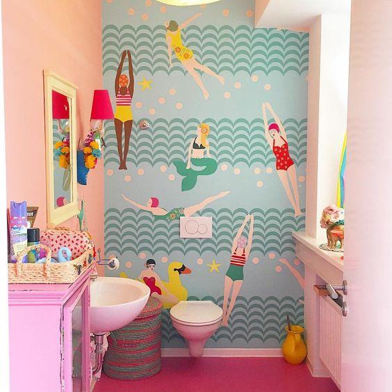 quirky bathroom wallpaper
