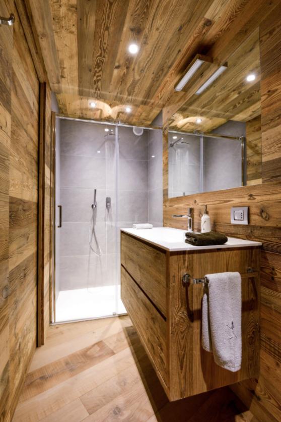 35 Wooden Bathroom Ideas