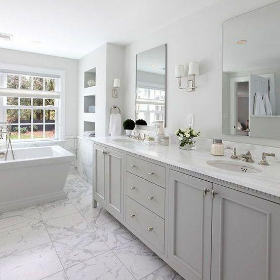Light grey hamptons bathroom