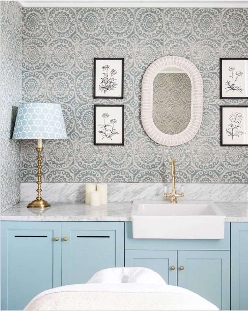 Patterned bathroom