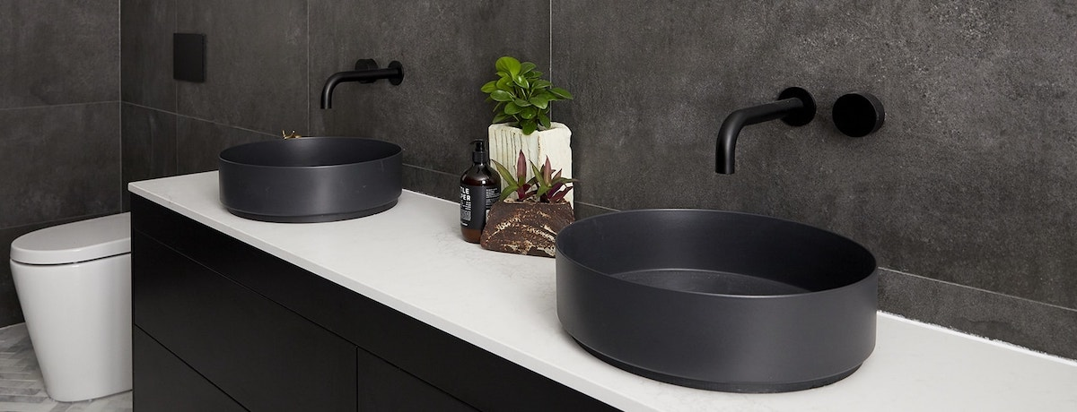 35 Dark bathroom ideas for your home