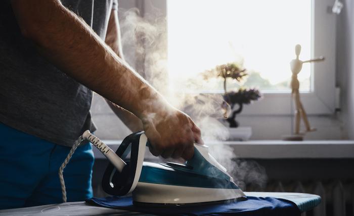 cleaning-iron-gunk-steam