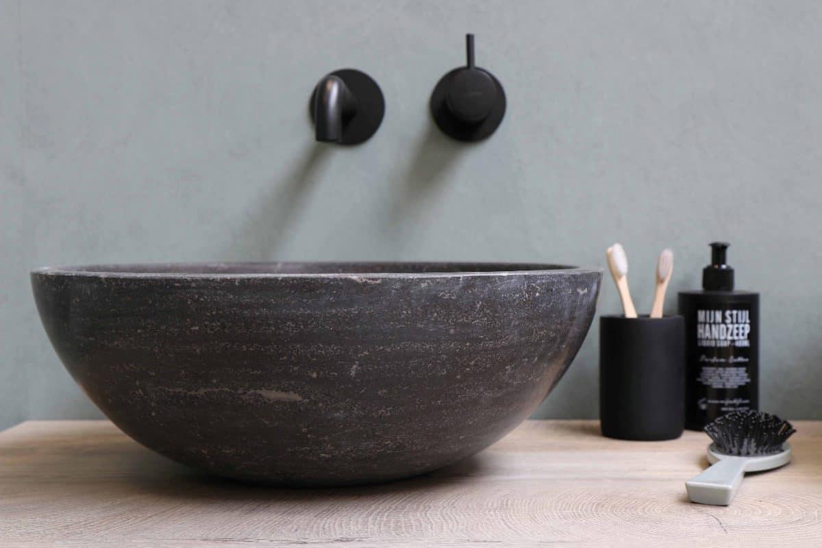 38 Dark bathroom ideas for your home