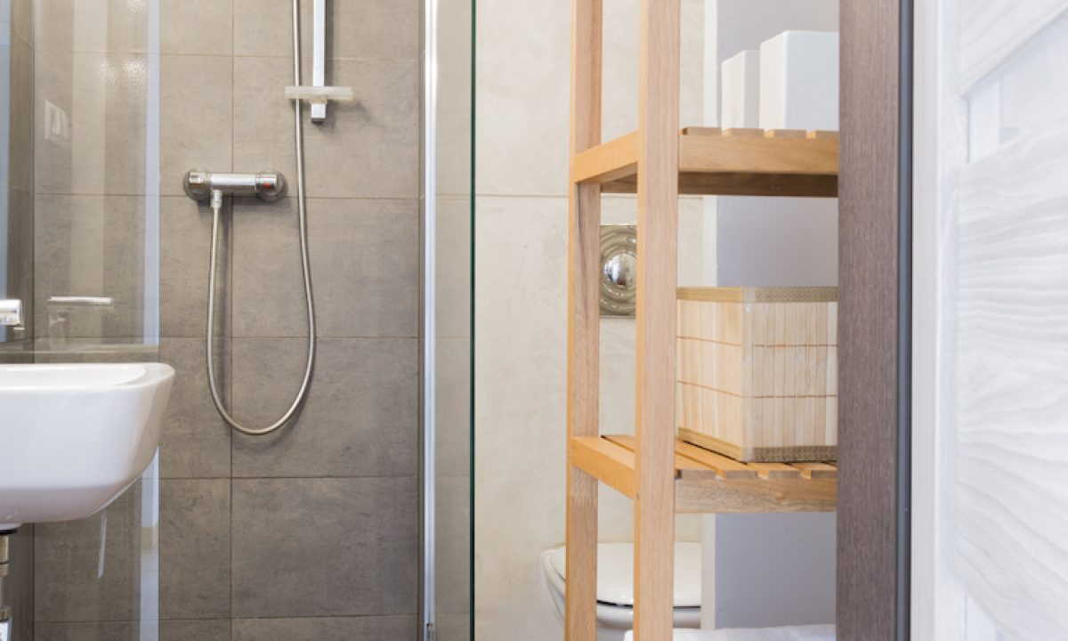 11+ Narrow bathroom ideas - wet rooms, powder rooms