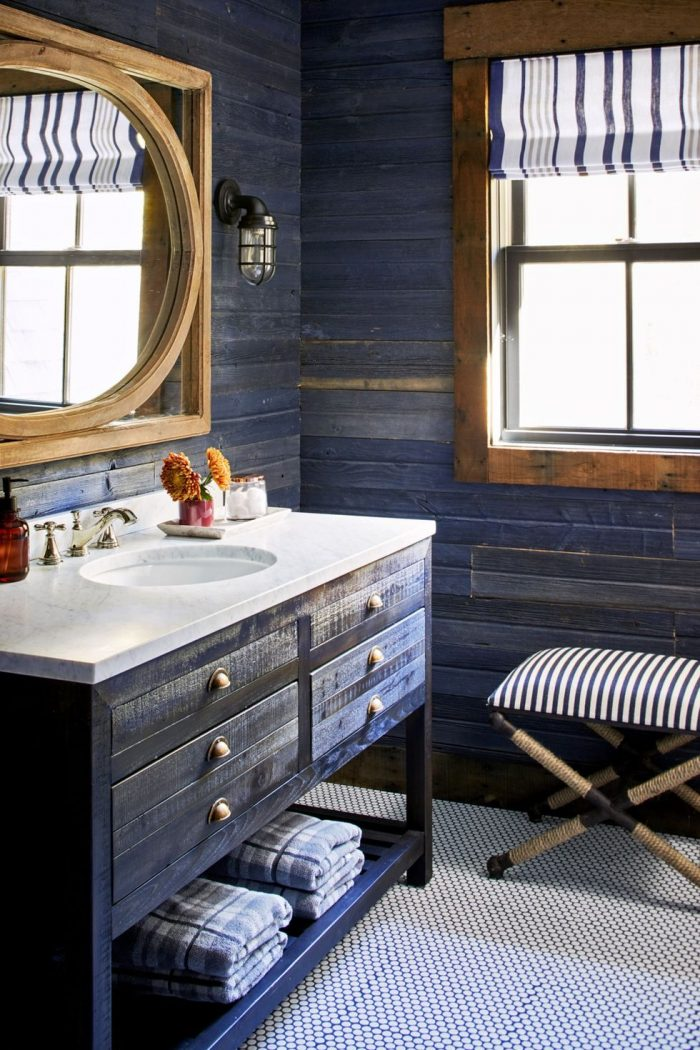 navy-rustic-bathroom