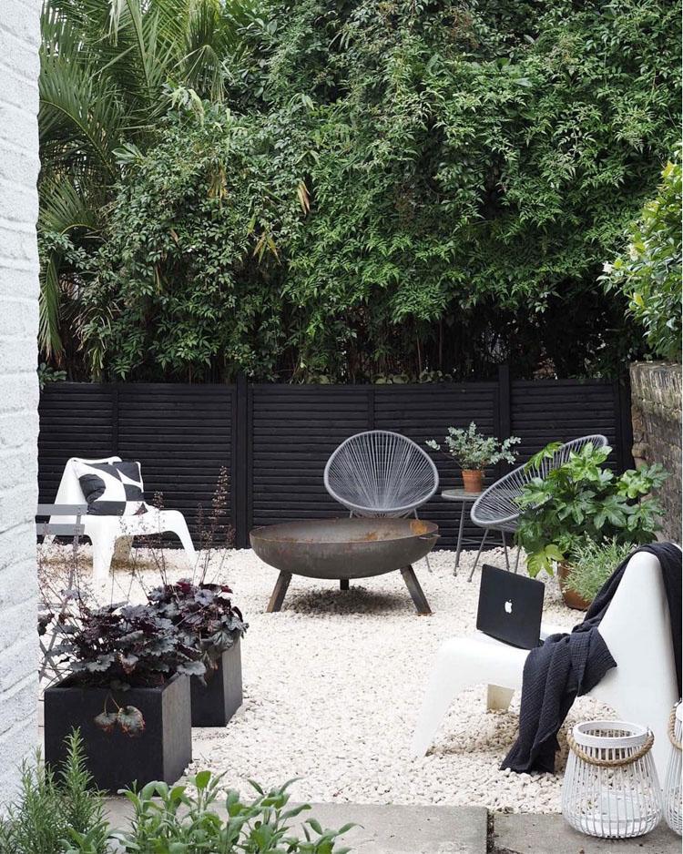 scandi courtyard garden