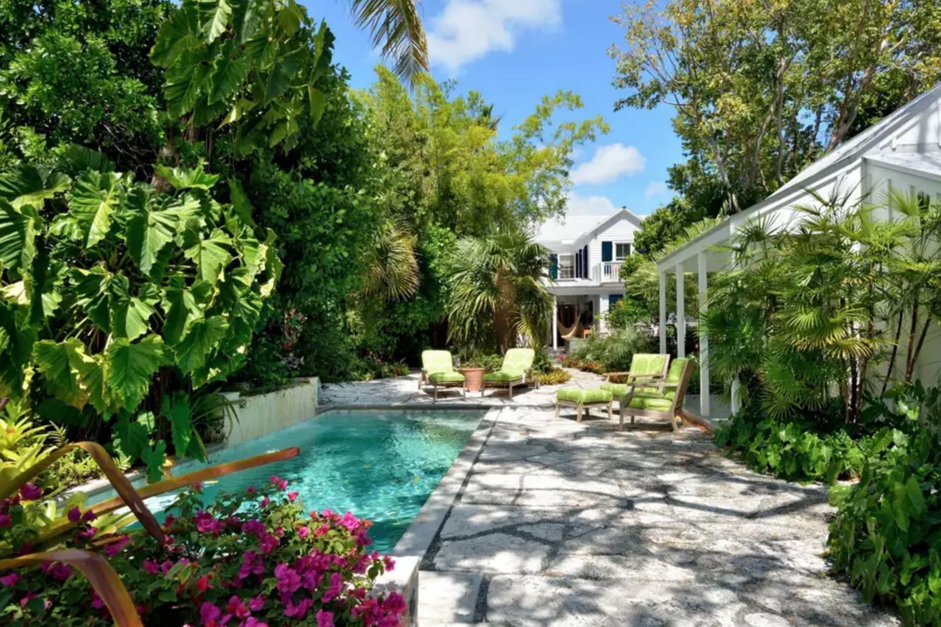 35 Pool Landscaping Ideas