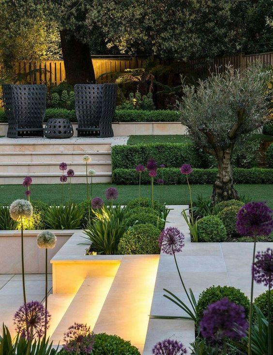 multi zoned terraced garden