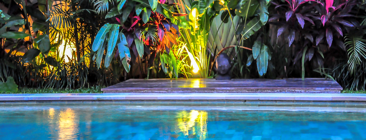 35 Pool landscaping ideas for backyards