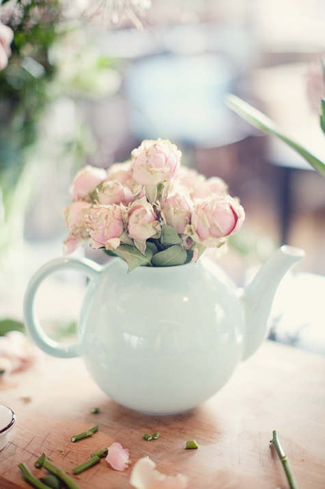 flowers in teapot decoration