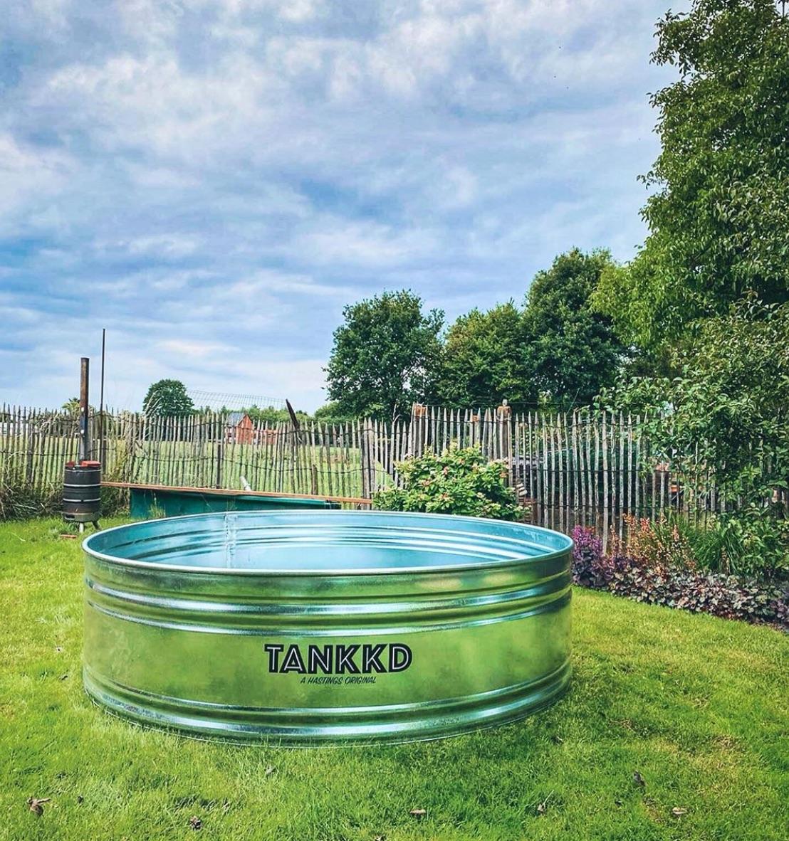 Small tankkd pool
