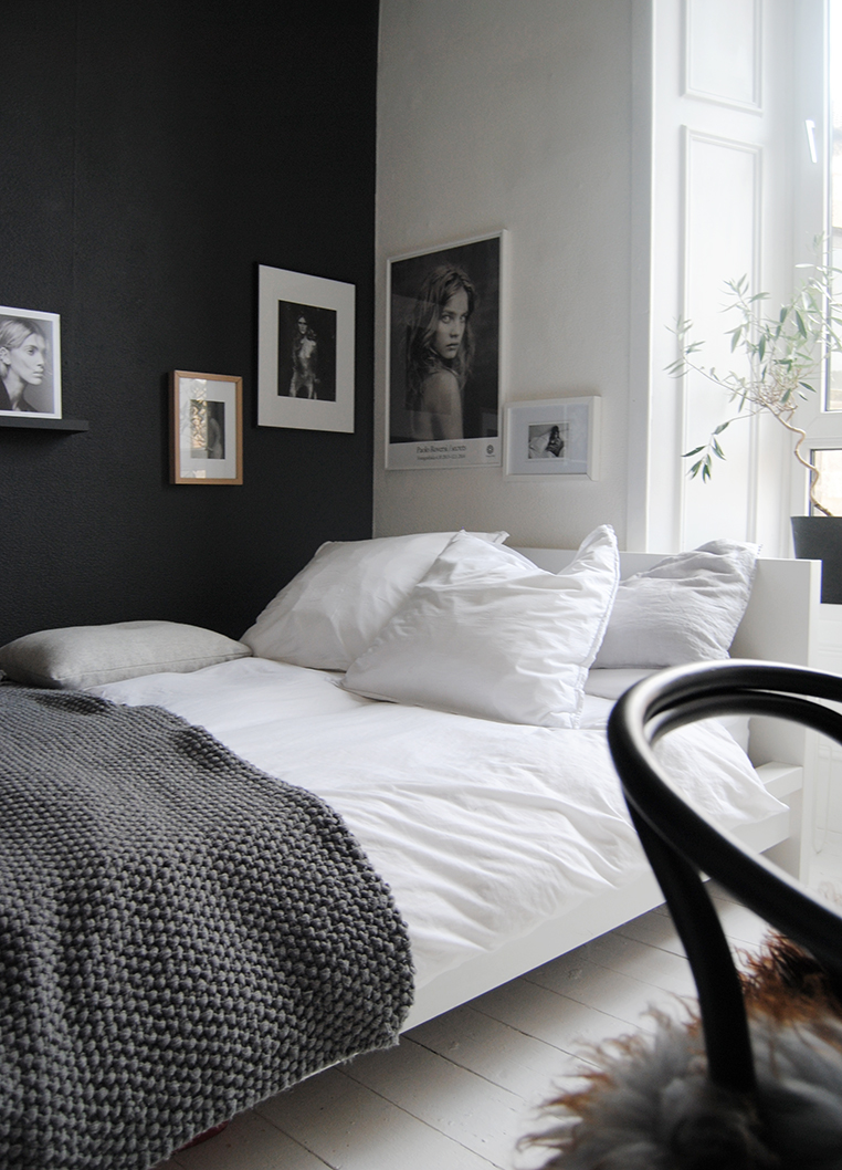 35 Black And White Bedroom Ideas