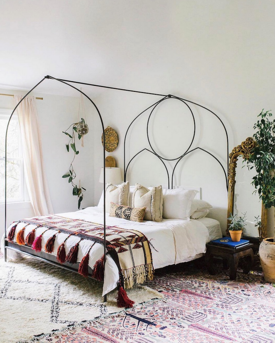 grand bed