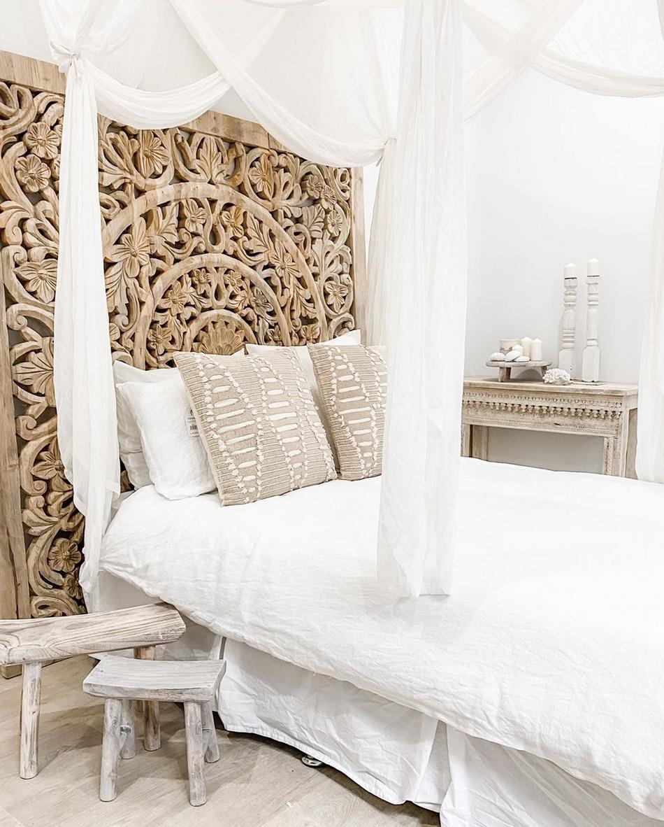 Bali white bedroom idea