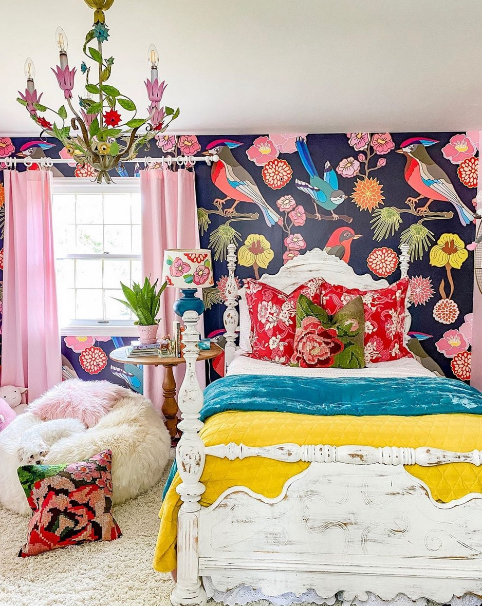 colourful bedroom with pink curtains