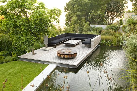 pond platform