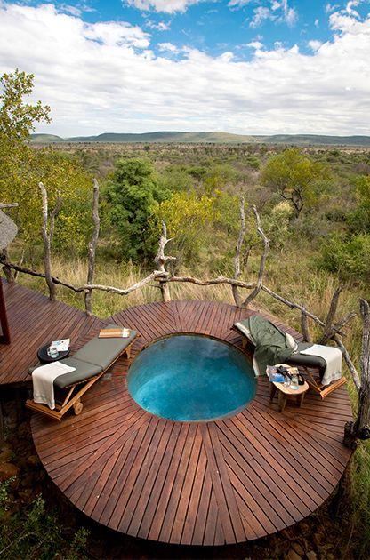 round decking around plunge pool