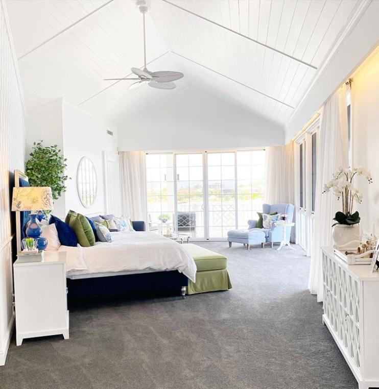 Large hamptons master bedroom