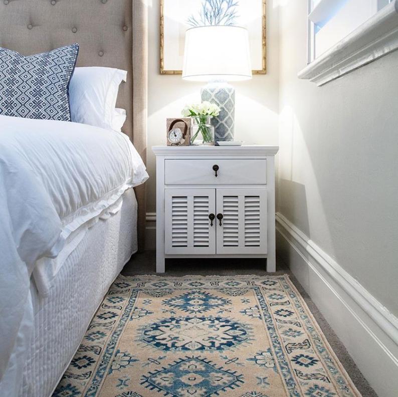 Hamptons bedroom rug