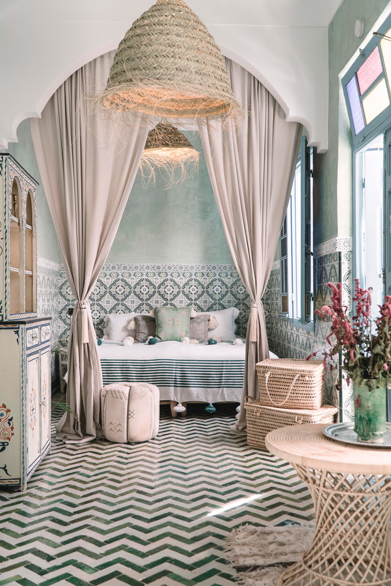 Modern moroccan bedroom