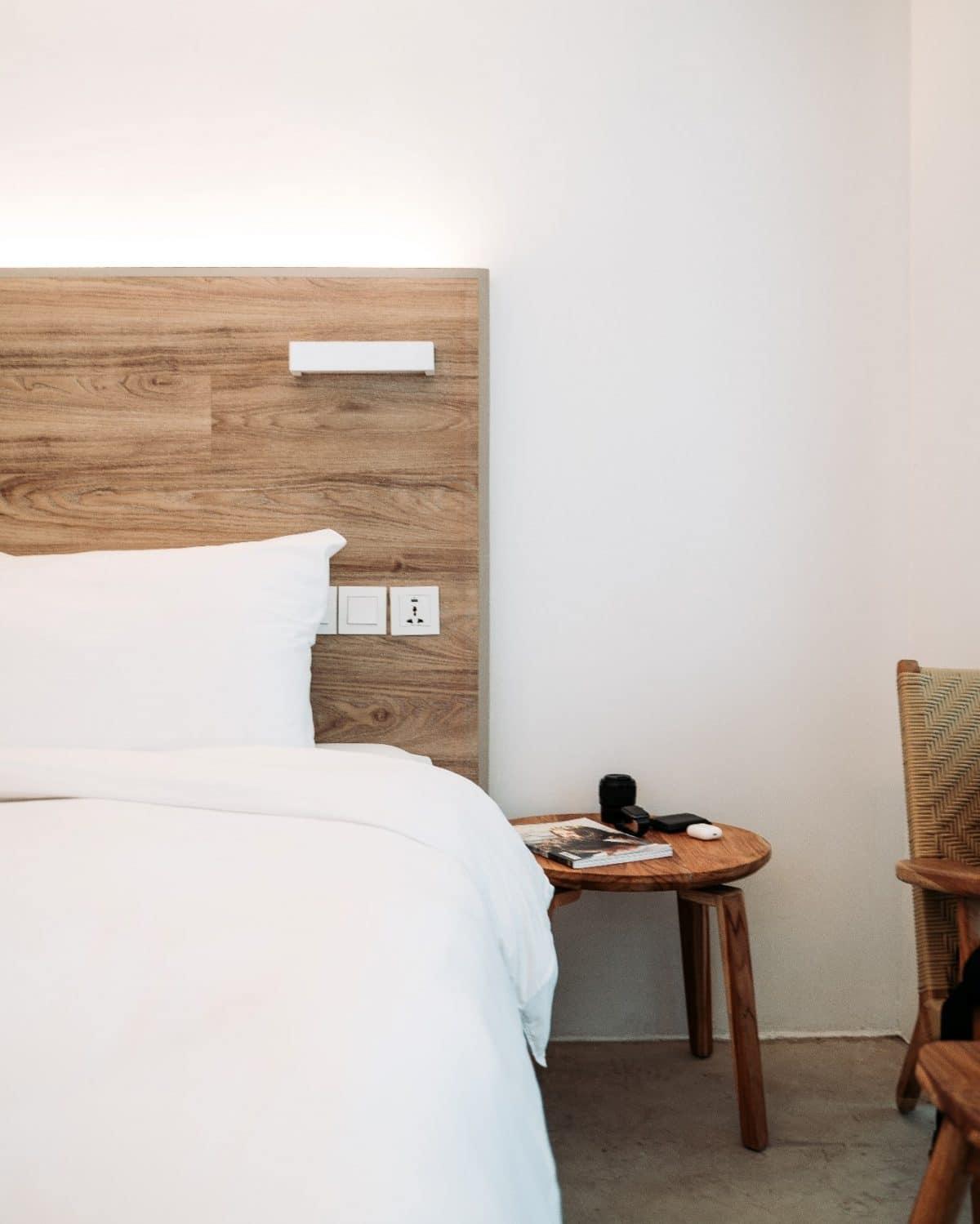 The basics of a modern farmhouse bedroom