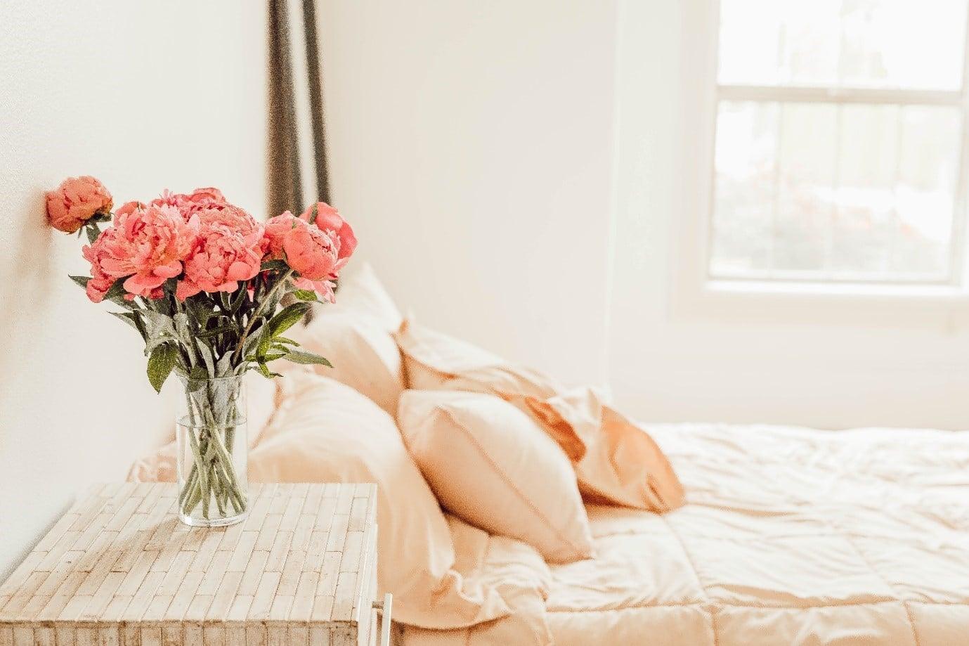 pastel-bedroom-warm-tones