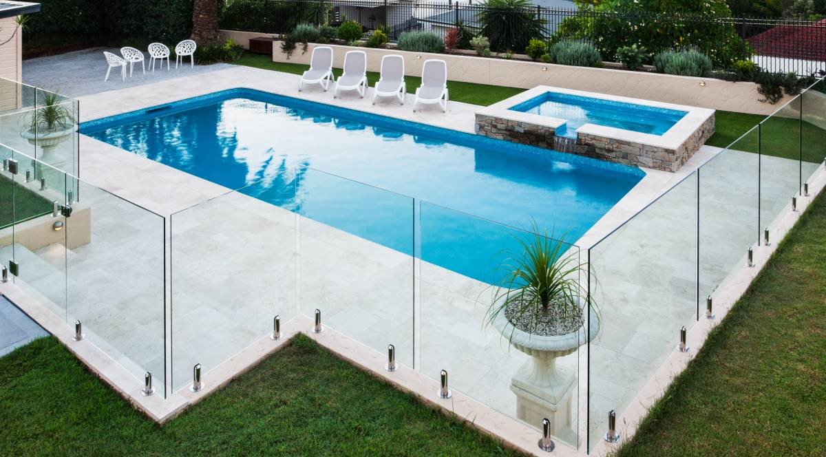 35 Pool fencing ideas for your backyard