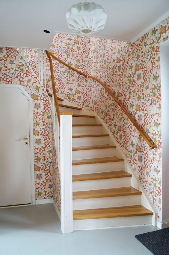 retro hallway wallpaper