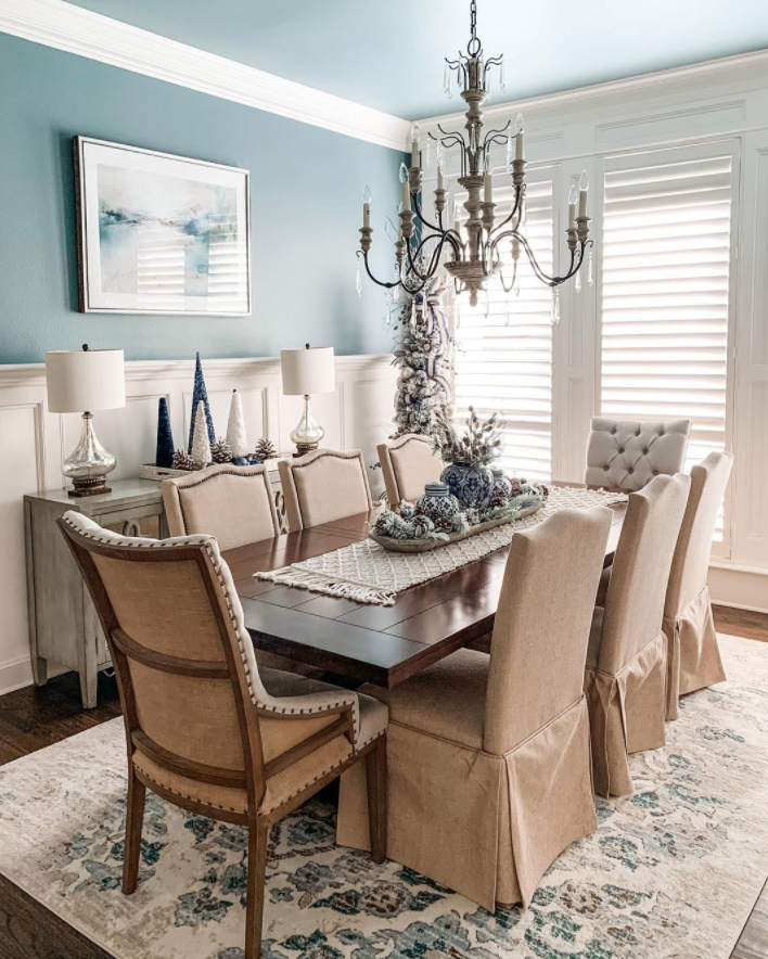 Feature wall in a dining room