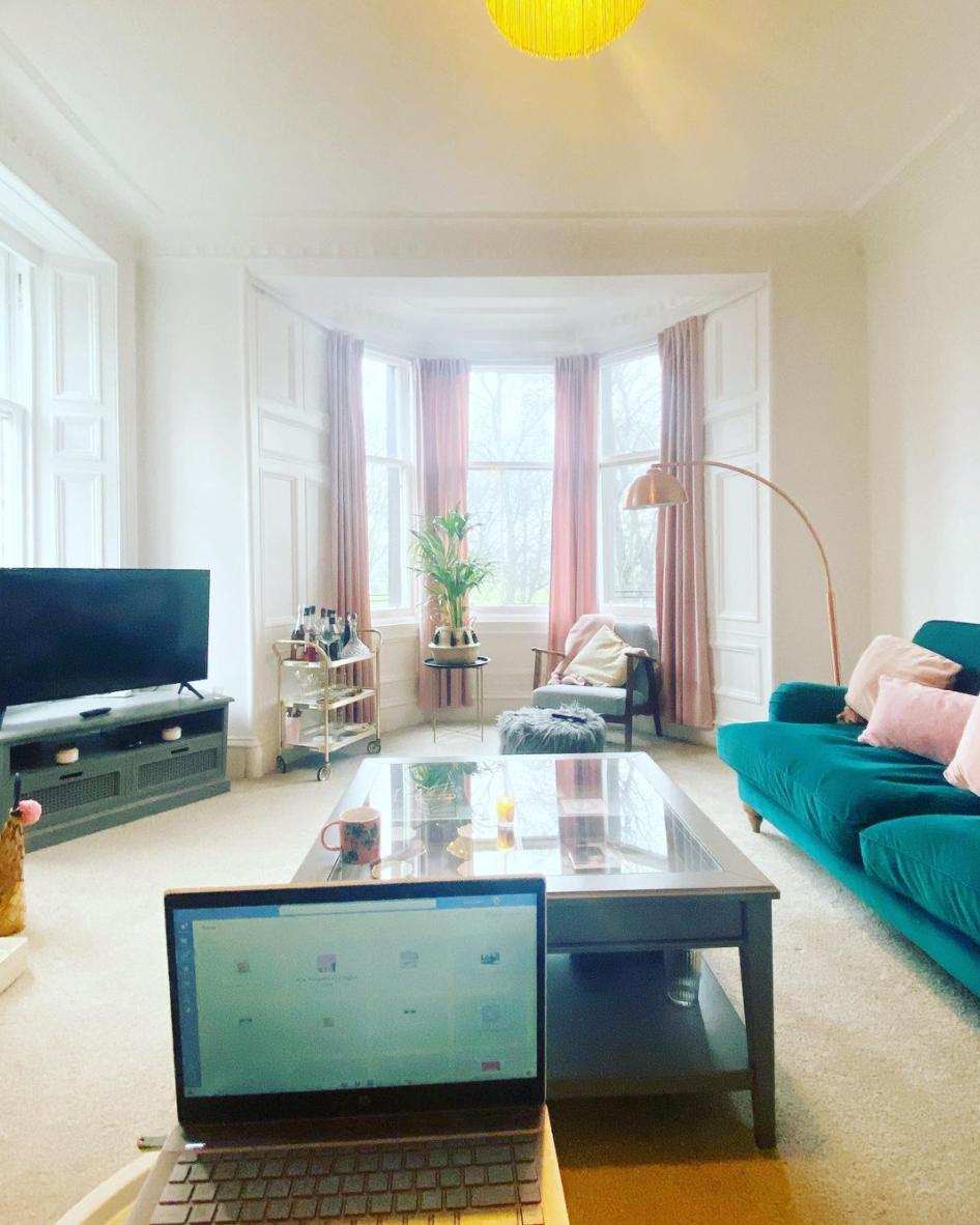 Living room bay window ideas