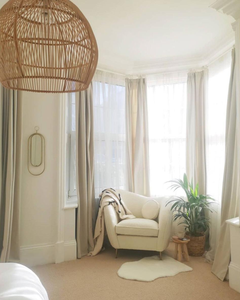 sitting area in bay window