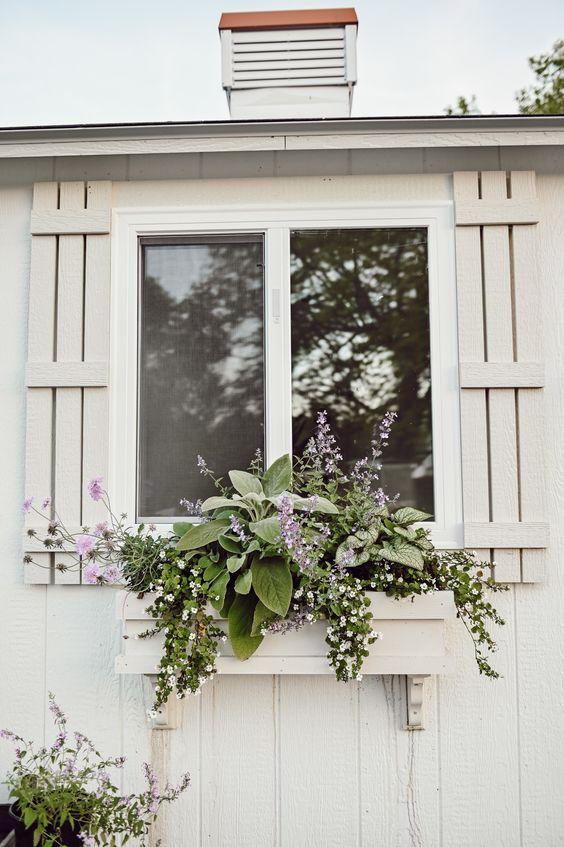 bouquet window box