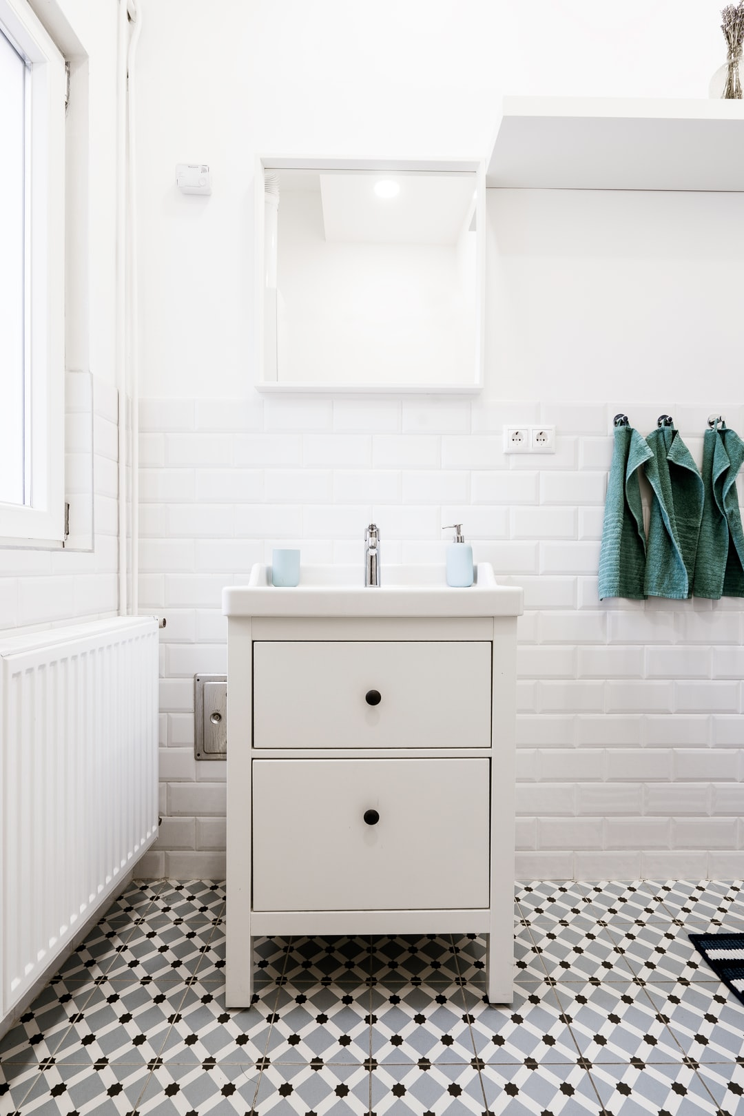 Bathroom tiles with a pattern
