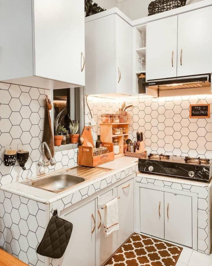 hexagon tiles in kitchen splashback