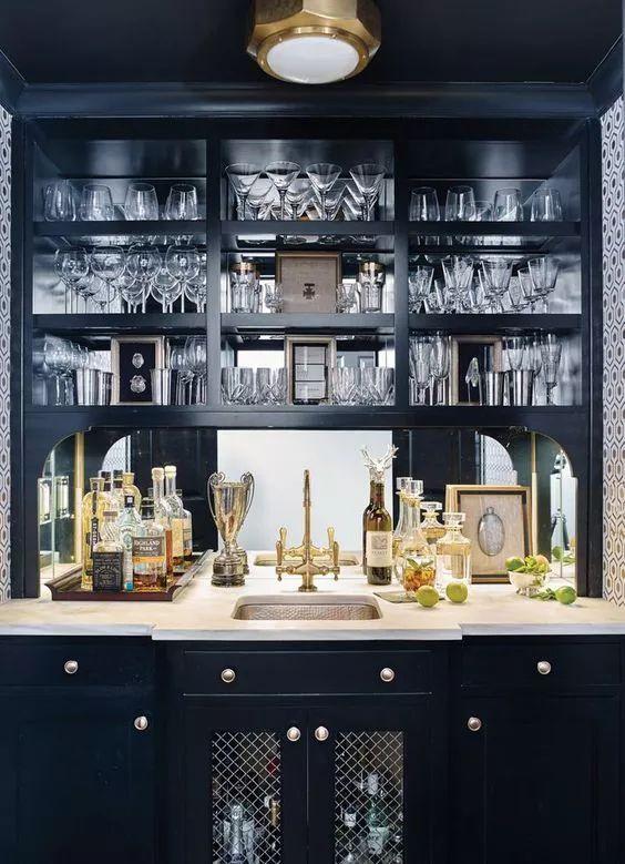 black and metallic home bar ideas