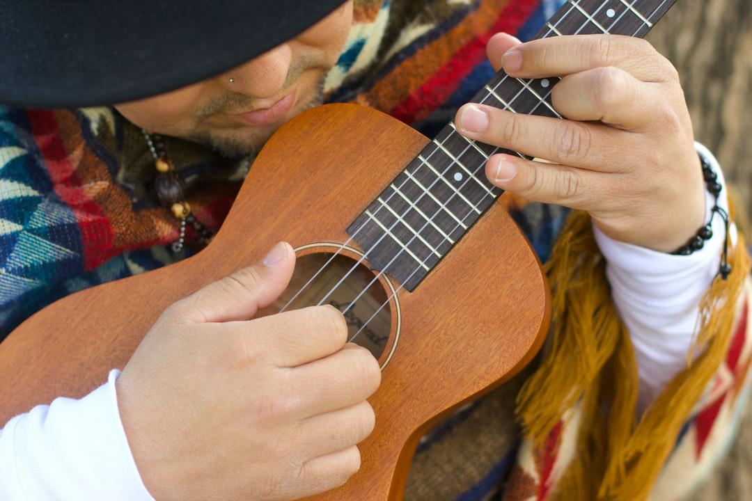 Close up with a uke