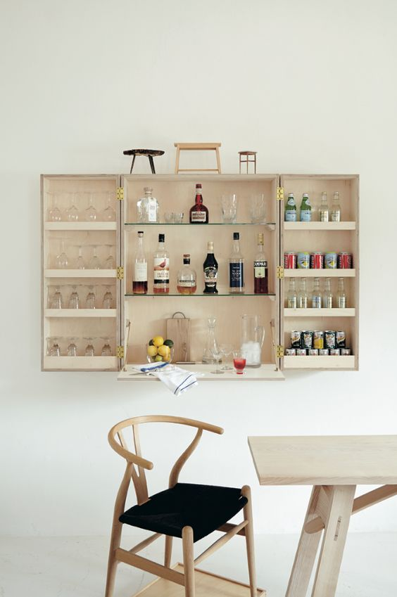 wall mounted drinks cabinet