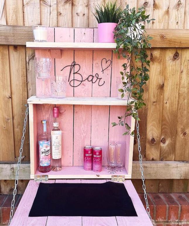 Girly garden bar idea