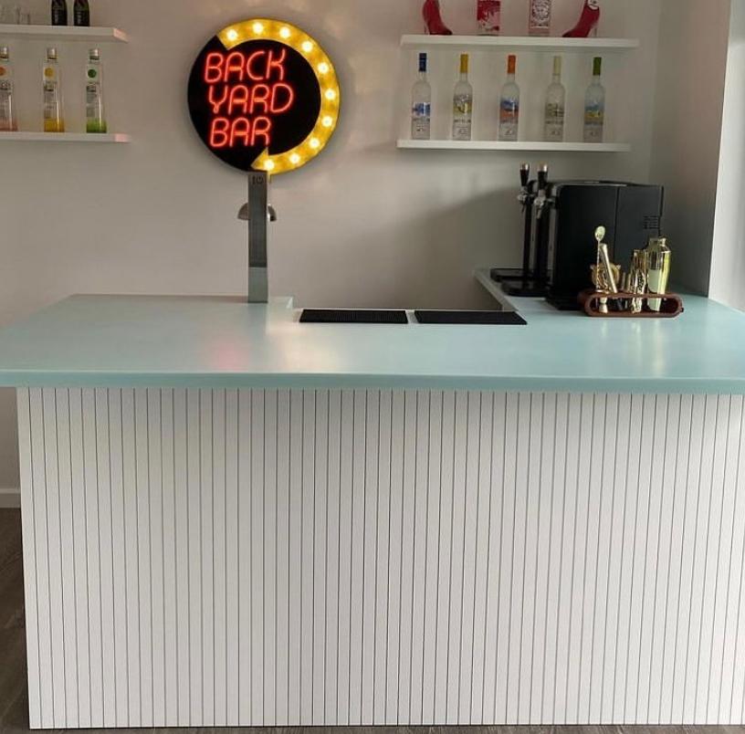 modern garden bar