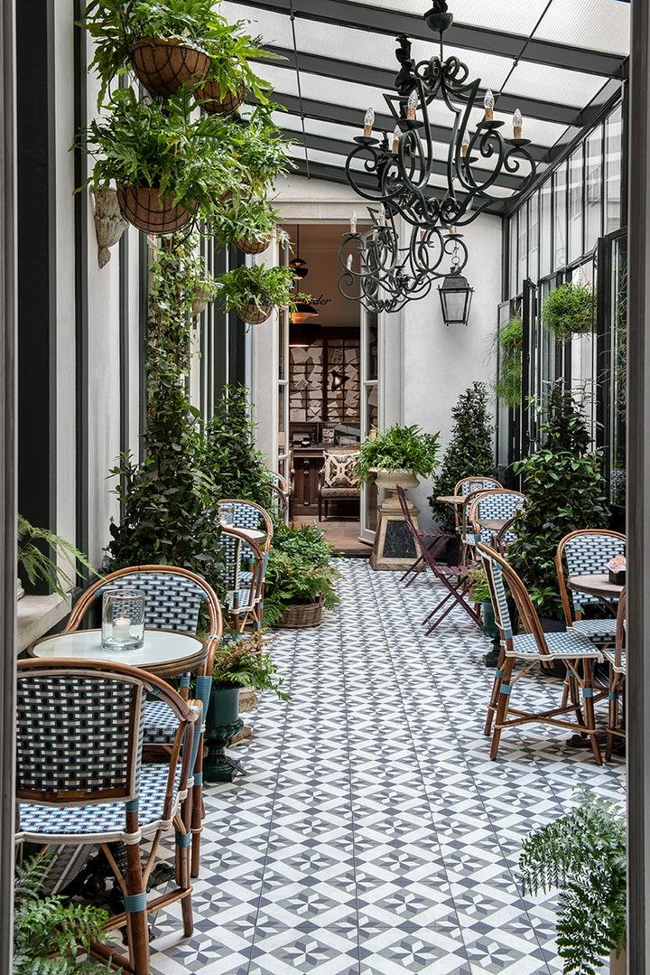 cafe-style-conservatory