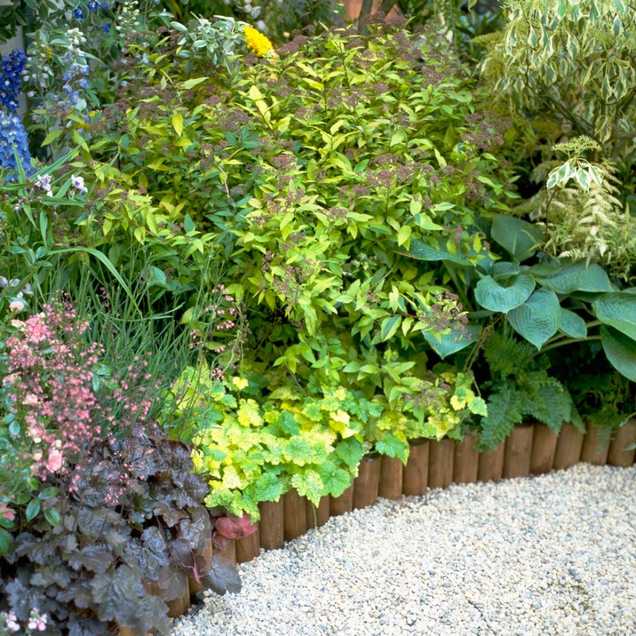 wooden-timber-edging-gravel-ideas