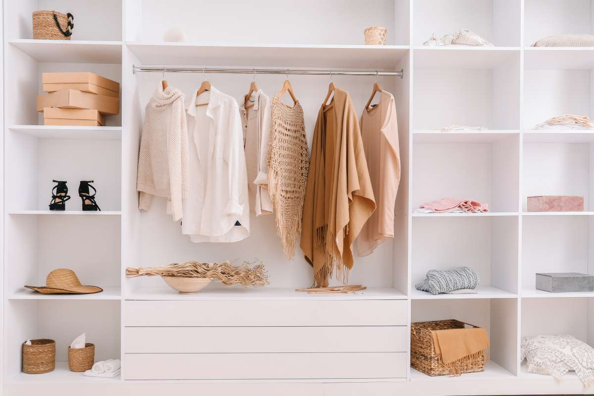 Want to know how to create a DIY wardrobe that totally works? Here's how!