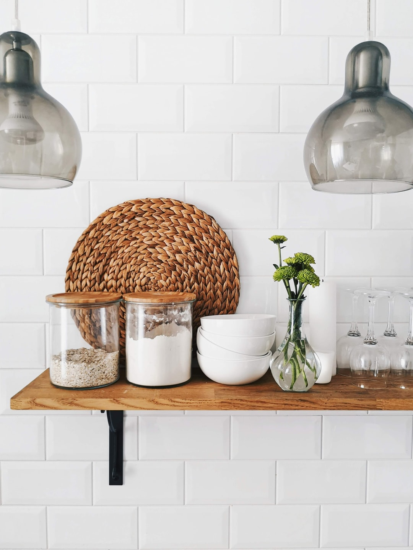 How to lay kitchen tile backsplash