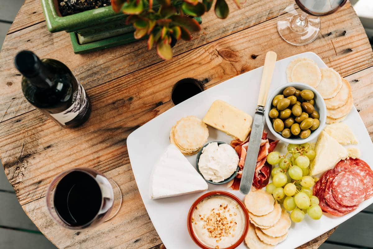 cheese-plate-wth-glasses-of-wine