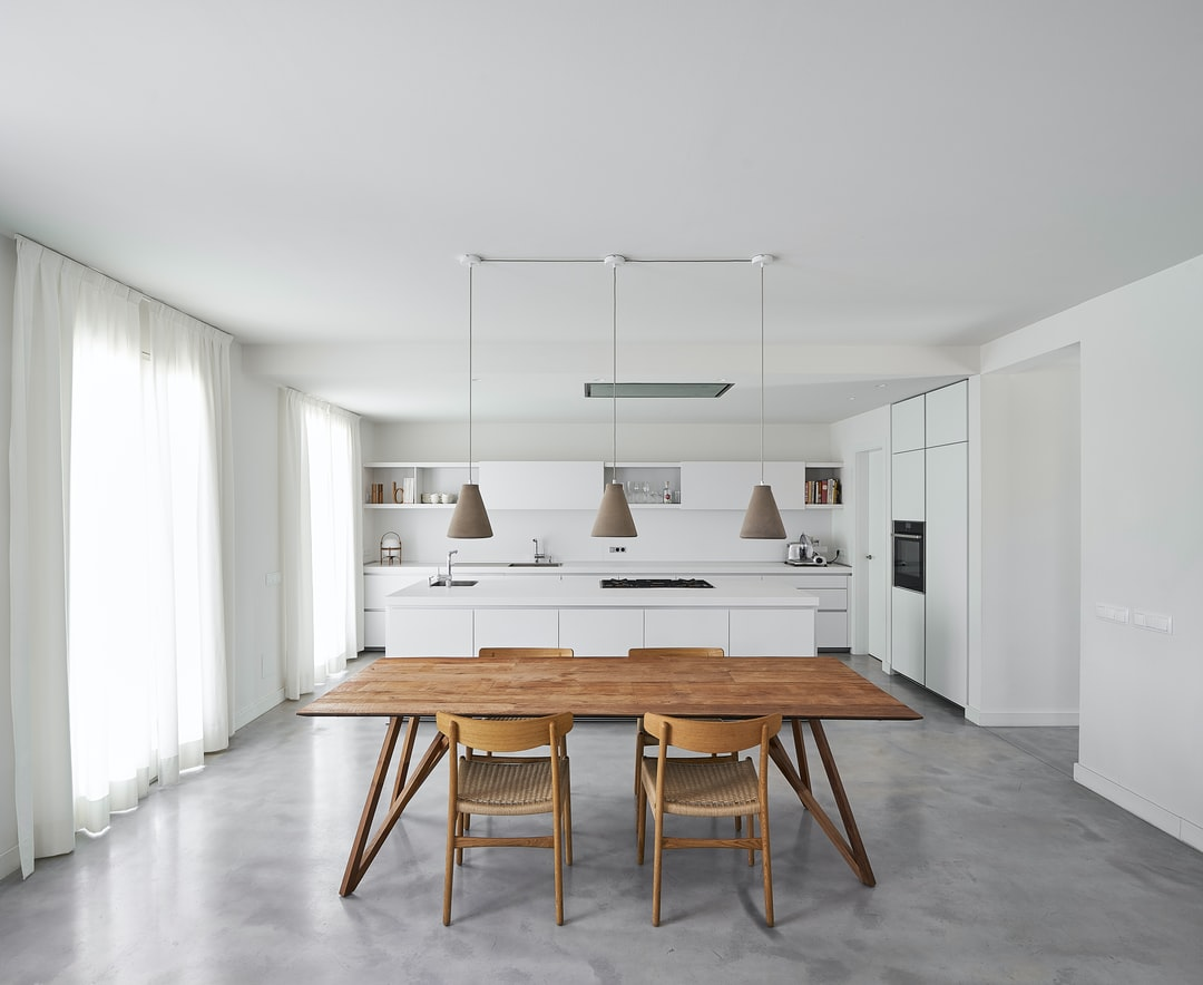 DIY extendable dining table